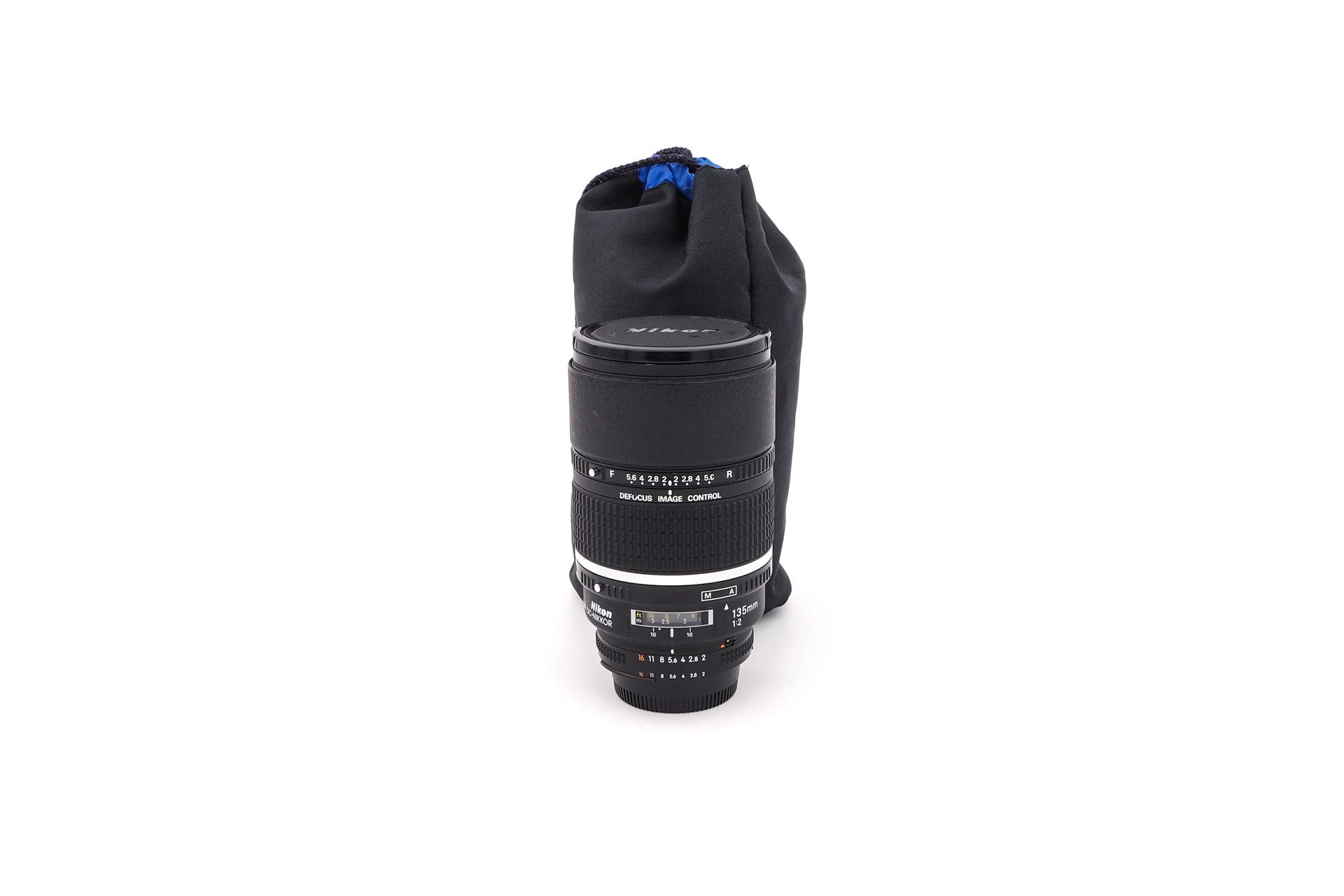 Nikon AF 135mm F/2 DC
