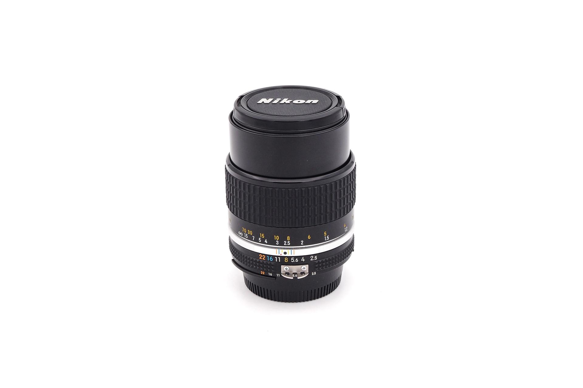 Nikon AI-S 105mm F/2.5